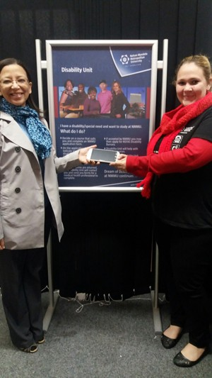 M5 electronic magnifier donated to NMMU
