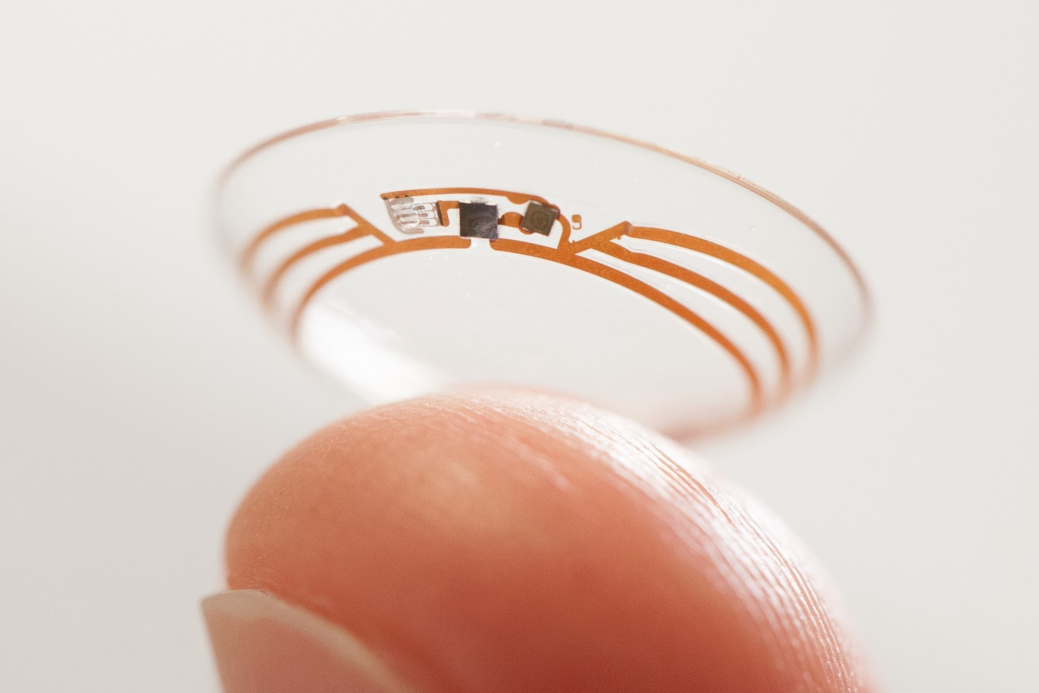 Contact lens with chip