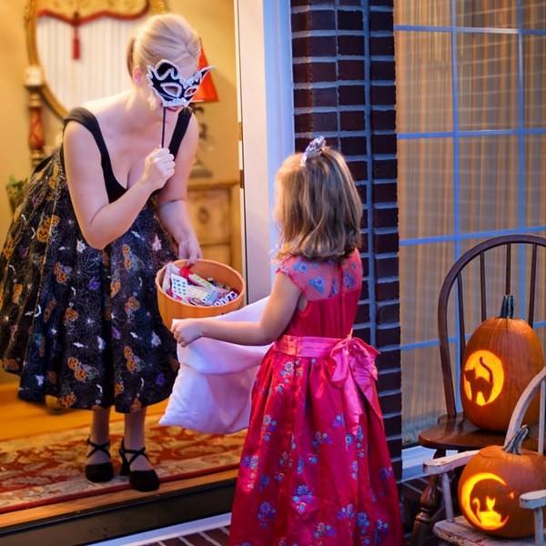 Halloween Costume Min